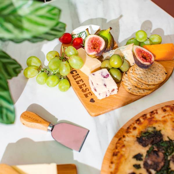 Bilde av FJØL - Bamboo Cheese Board & Knif